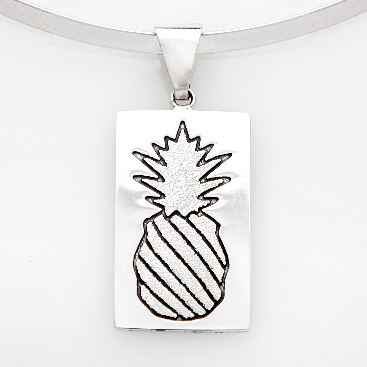 Crowned Pineapple Quilt Jewelry Large Pendant