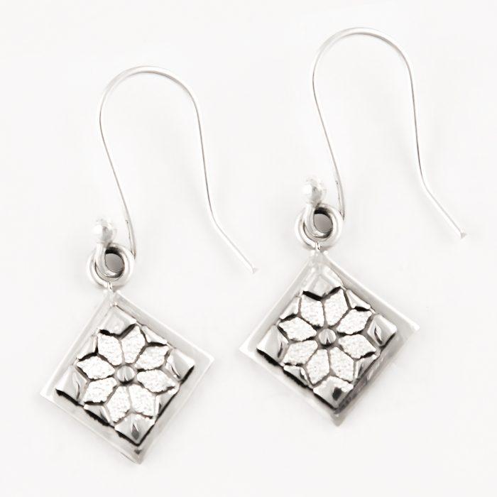 Dresden Plate Quilt Jewelry Hook Earrings