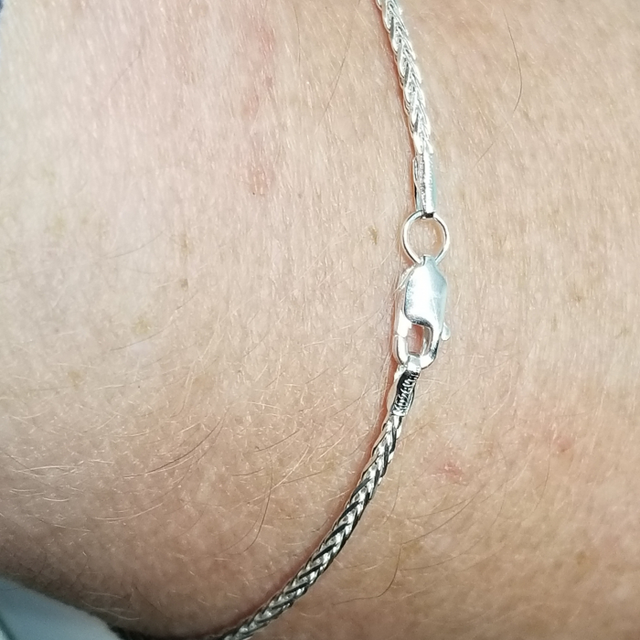 Espiga Bracelet on wrist with clasp