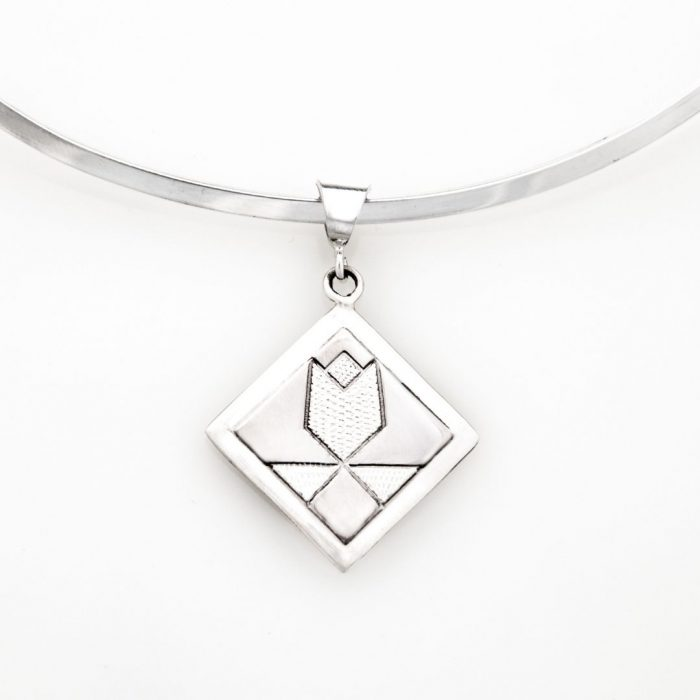 Tulip Quilt Jewelry Medium Pendant in Sterling Silver